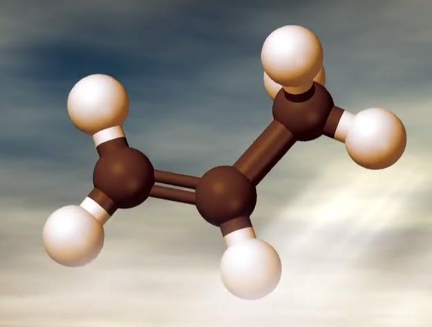 mares de metano etano también posee dunas de materiales plásticos