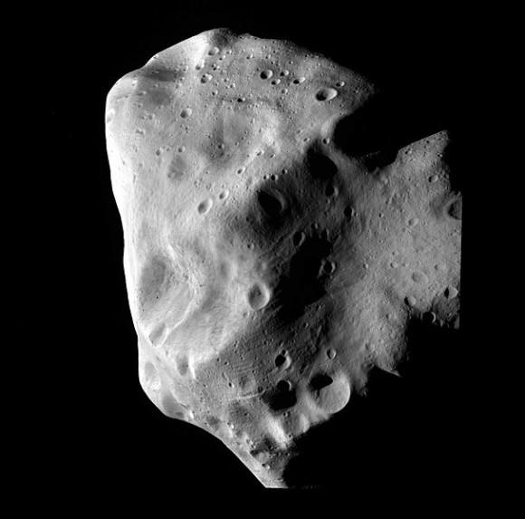 607px-Lutetia_closest_approach_(Rosetta)