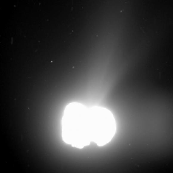 Comet_activity_on_2_August_2014