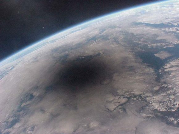 Eclipse del 11 de agosto de 1999 visto desde la estación Mir.