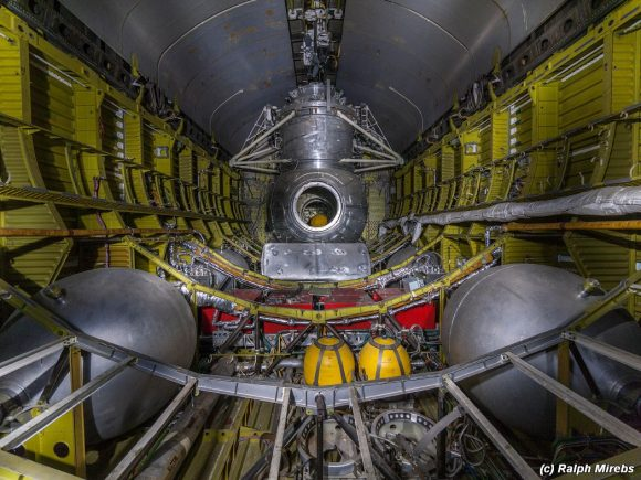 Compartimento de carga de la OK-MT con la esclusa de acoplamiento y EVA (Ralph Mirebs).