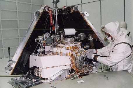 La Mars Pathfinder de verdad antes del lanzamiento (NASA).