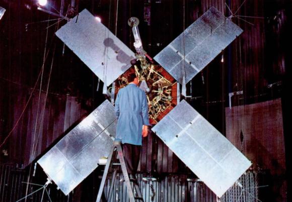 Pruebas de la Mariner 4 en Tierra (NASA/JPL).