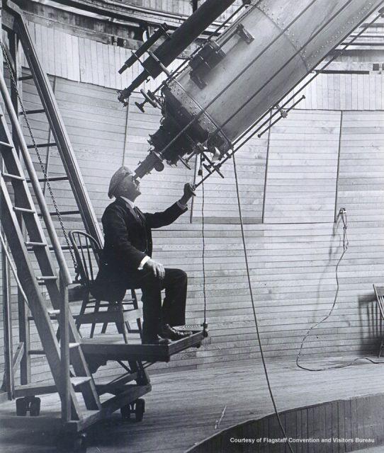 Percival Lowell en su observatorio de Arizona (http://arizonaexperience.org/).