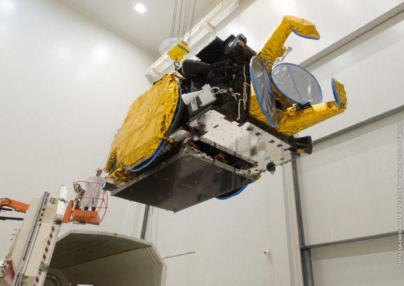 El Eutelsat 8 West B antes del lanzamiento (Arianespace).
