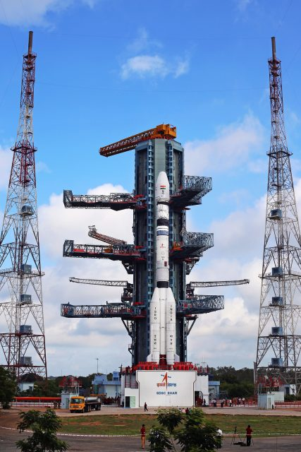 El cohete en la rampa (ISRO).