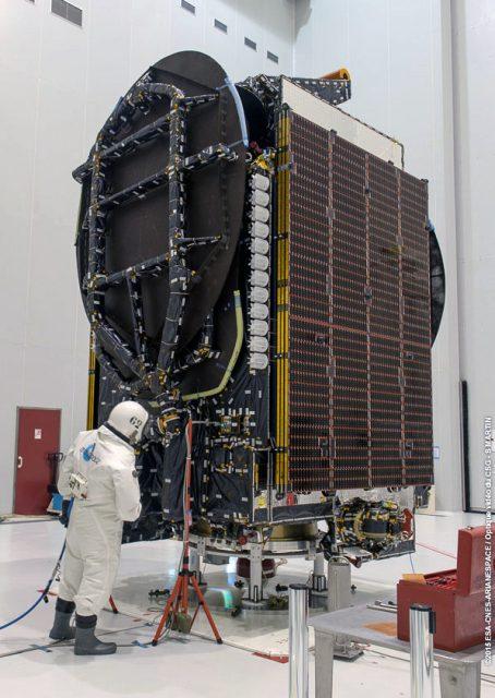 El Intelsat 34 antes del lanzamiento (Arianespace).
