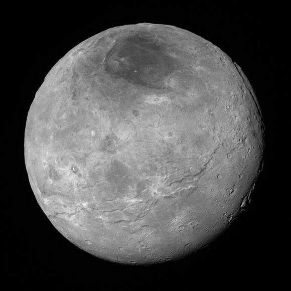 Caronte visto a 470 000 km de distancia.