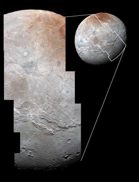 Detalle de la imagen anterior tomada por la cámara LORRI con una resolución de 800 m/píxel ().