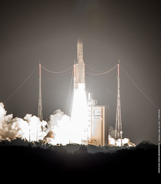 Lanzamiento de la misión VA227 (CNES).