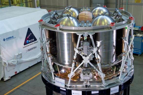 El primer del modulo de servicio de la Orión (ESA).