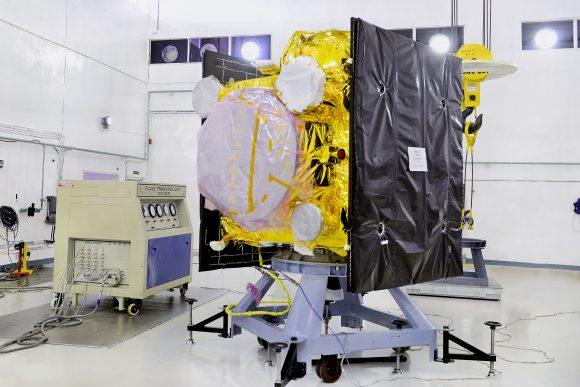 El satélite IRNSS-1E antes del lanzamiento (ISRO).