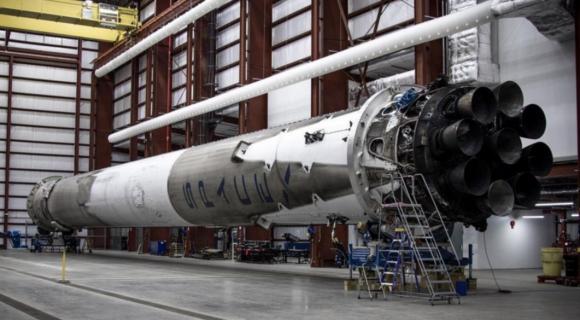 La primer (SpaceX).