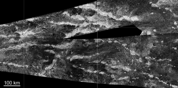 La zona con más montañas de Titán, los ridge belts (NASA/JPL).