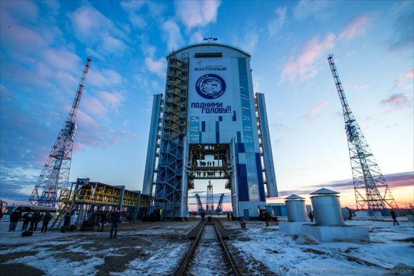 Torre de servicio móvil MOB (Roscosmos).