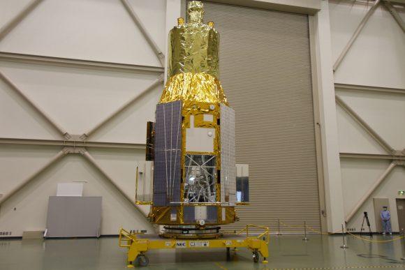 Hitomi (ASTRO-H) antes del lanzamiento (JAXA).