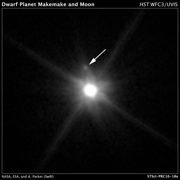 MK 2, la luna de Makemake, vista por la cámara Wide Field Camera 3 del Hubble en abril de 2015 (NASA, ESA, A. Parker and M. Buie (Southwest Research Institute), W. Grundy (Lowell Observatory), and K. Noll (NASA GSFC)).