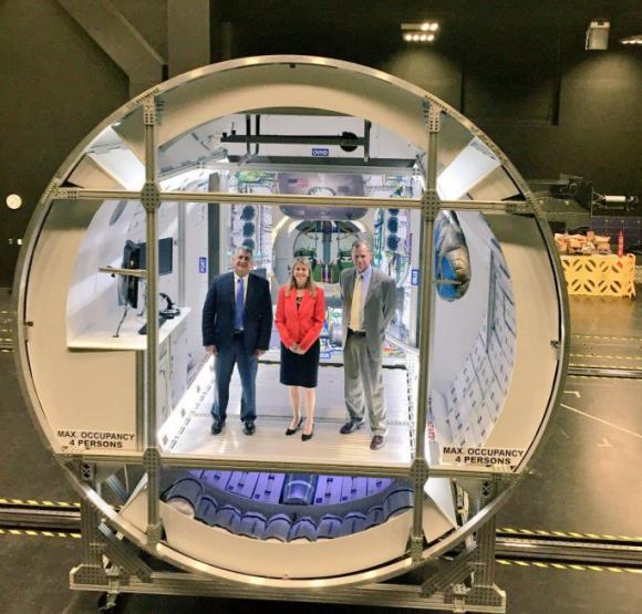 Detalle del prototipo del interior del hábitat de espacio profundo para la Orión de Lokcheed Martin, parecido al propuesto por Boeing (Lockheed Martin).