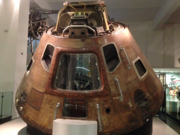 La cápsula del Apolo 10, la nave más veloz que ha realizado una reentrada atmosférica (Eureka).