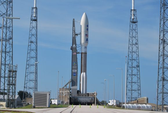 El cohete Atlas V 551 con Juno el día antes del despegue (Eureka).
