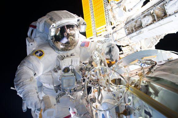 Williams durante la EVA (NASA).