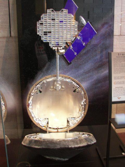 Sistema de recogida de muestras con aerogel de la sonda Stardust (http://historicspacecraft.com/).