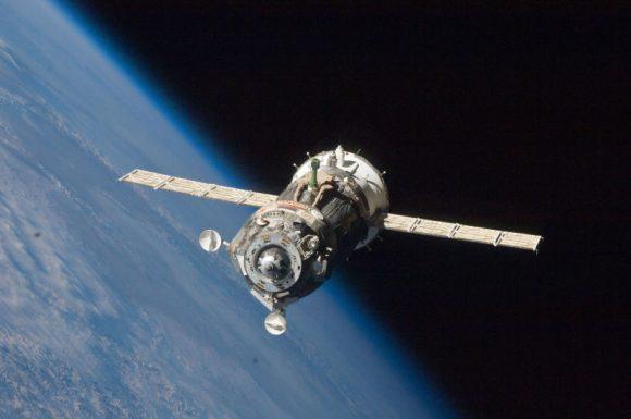 Una Soyuz acoplándose a la ISS (NASA).