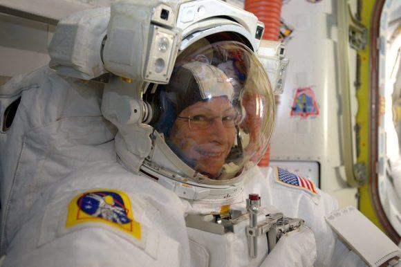 Whitson tras la EVA (NASA).