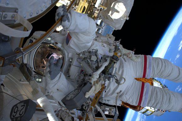 Kimbrough en el exterior (NASA).