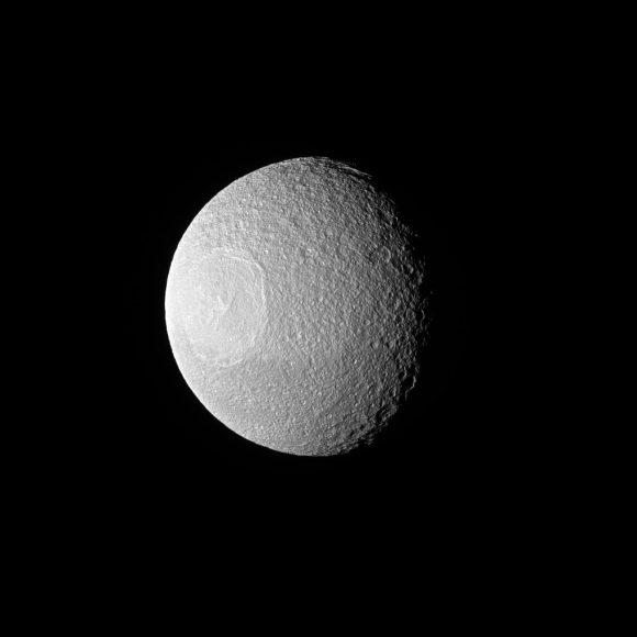 Tetis visto el 16 de noviembre de 2016 (NASA/JPL-Caltech/Space Science Institute).