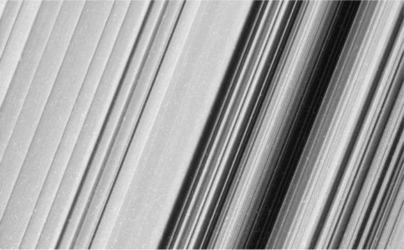 (NASA/JPL-Caltech/Space Science Institute).