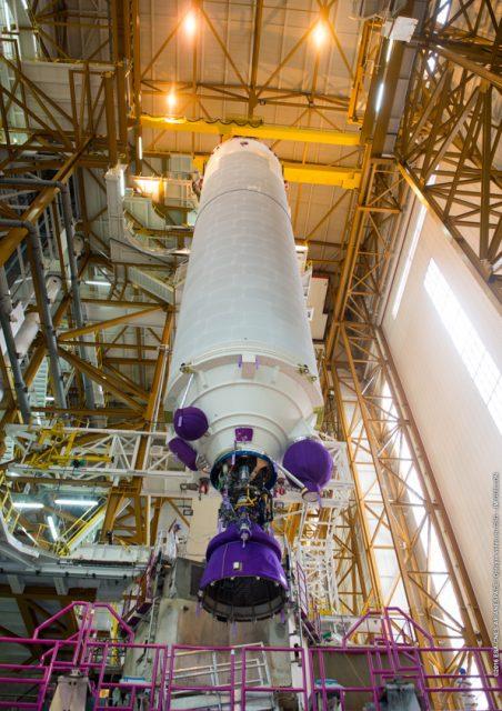 Etapa EPC de la misión VA235 en el edificio BIL (Arianespace).