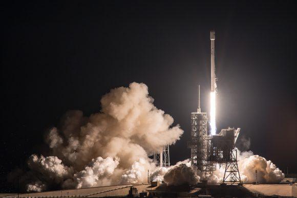 Lanzamiento del EchoStar 23 (SpaceX).