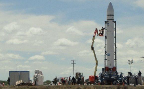 Lanzador VEx 5A en la rampa (http://argentinaenelespacio.blogspot.com).