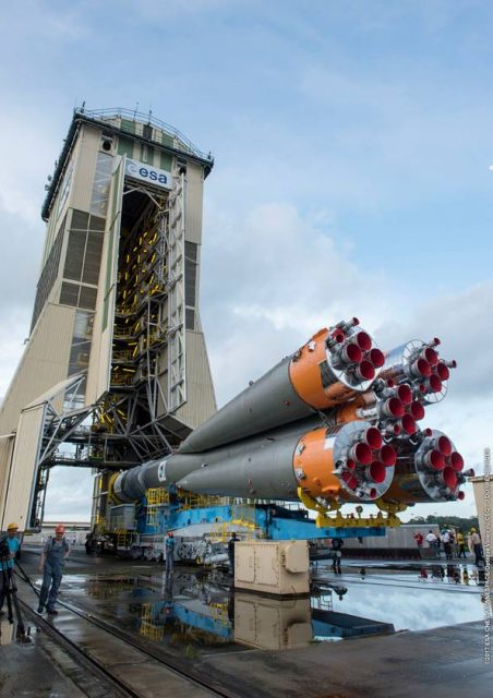 VS17_Soyuz-rollout