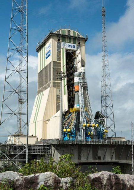 VS17_Soyuz-rolloutgtg5