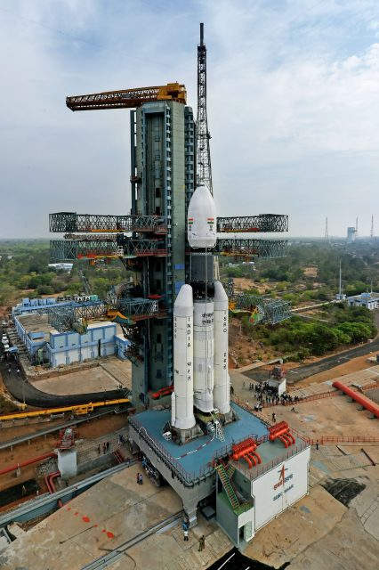 2-4thefullyintegratedgslv-mkiiid1carryinggsat-19atthesecondlaunchpad-sideview