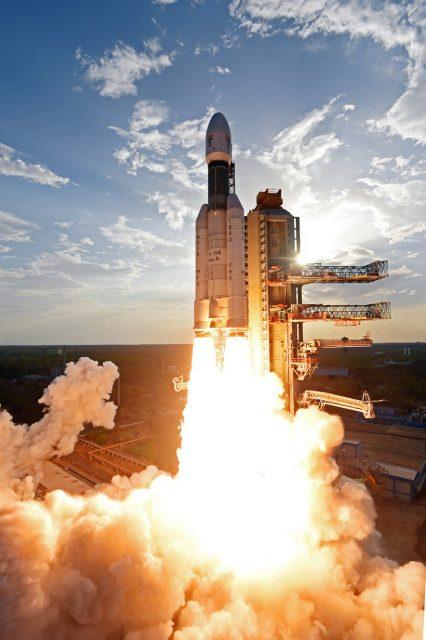 Lanzamiento del GSAT 19 (ISRO).