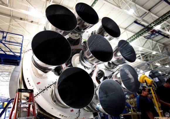 Nueve motores Merlin 1D en configuración octaweb (SpaceX).