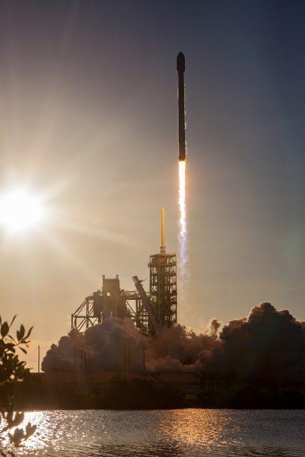 Lanzamiento del Intelsat 35e (SpaceX).