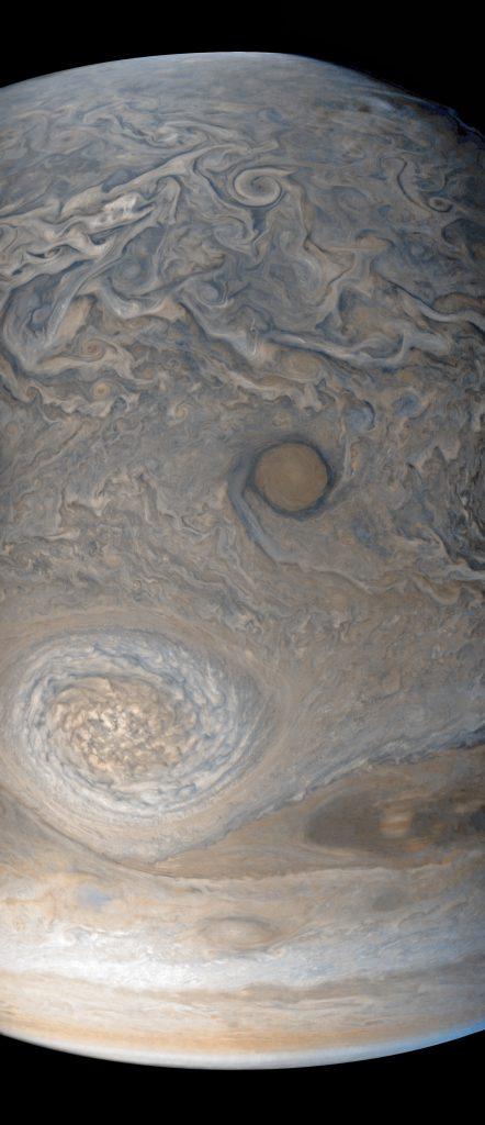 No es la Mancha Roja, pero en este séptimo paso por el perijovio también hemos visto las turbulentas regiones del hemisferio norte (NASA/JPL-Caltech/MSSS/SwRI/Justin Cowart).