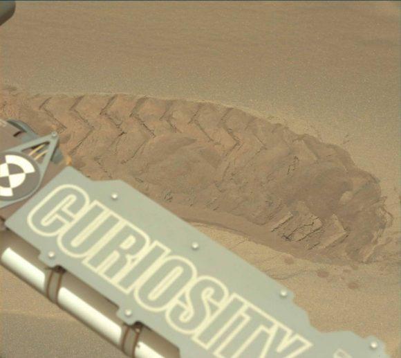 (NASA/JPL-Caltech/MSSS).