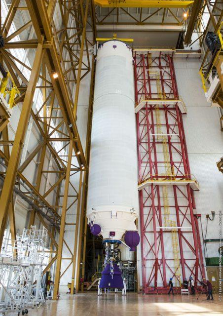 Etapa EPC de la misión VA239 en el edificio BIL (Arianespace).