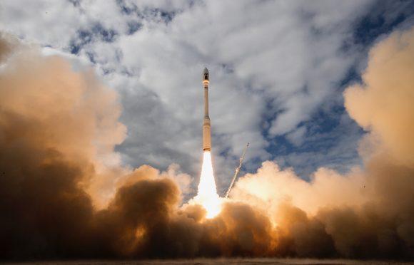 Lanzamiento del Minotaur-C (Orbital ATK).