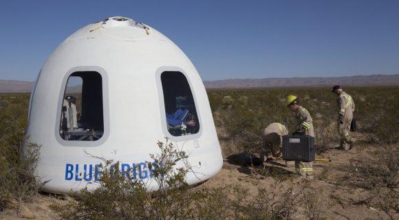 La nueva cápsula después del aterrizaje (Blue Origin).