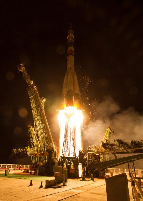 Lanzamiento de la Soyuz MS-05 (Roscosmos).