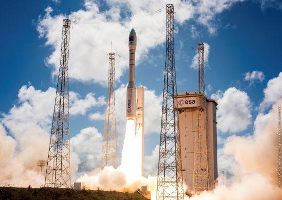 Lanzamiento de la misión VV08 del Vega (ESA).