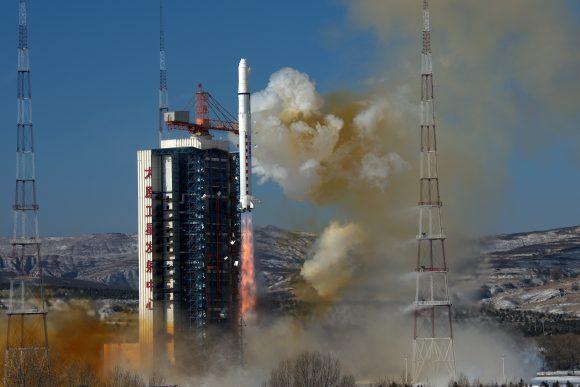 Lanzamiento de los Gaojing 1-03 y 1-04 (Xinhua).