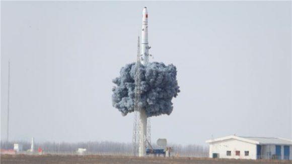 Lanzamiento desde el contenedor del CZ-11 (Xinhua).