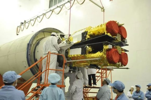 Los dos sateñlites Jilin 1-07 y 1-08 integrándose con el CZ-11 (Xinhua).